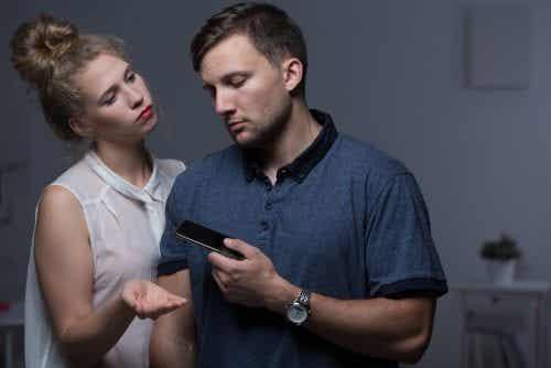 Sjalusi er en oppførsel som kan føre til å forutsi at et forhold feiler