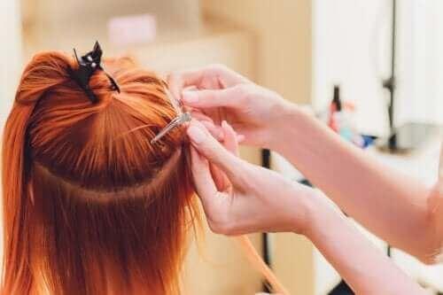 Er det farlig å bruke hårforlengelser i håret?