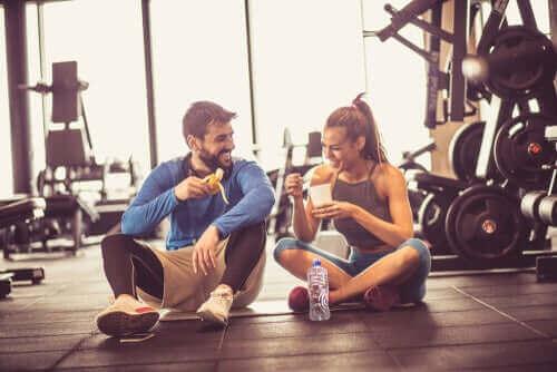 Hva du bør spise før du trener
