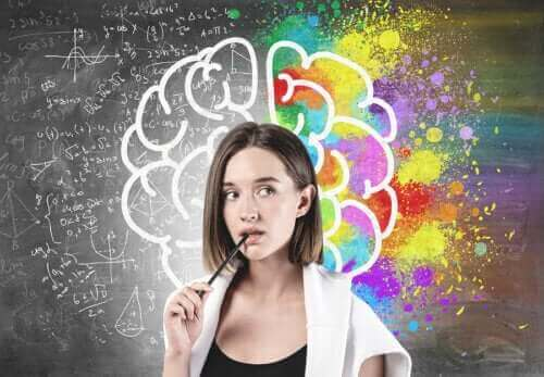 Forskjellen mellom hjernen og sinnet