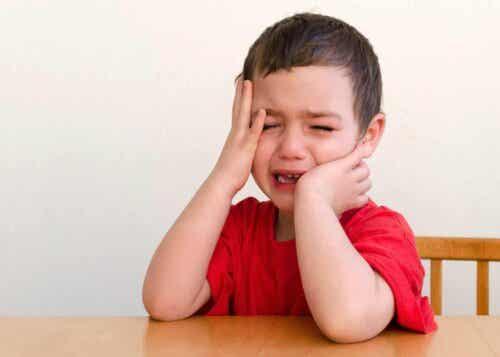 Et barn som gråter