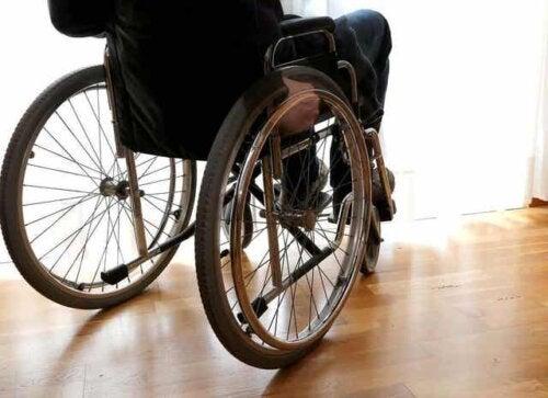 En person i rullestol