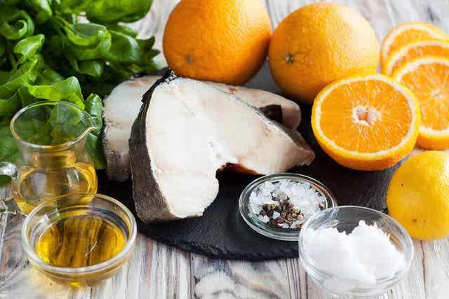 Torsk, appelsiner, olivenolje og salt.