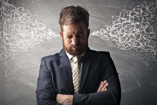 En mann som ikke vet hvordan han skal kontrollere sinne sitt.