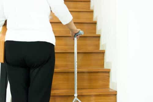 Stokker kan forhindre fall hos eldre.