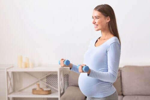 Trening mens du er gravid: Er det trygt?