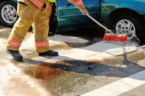 Hvordan rydde opp i bensinsøl