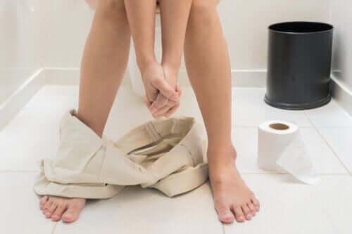 Fett i avføring: hva som forårsaker det og hvordan du kan forhindre det