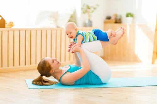 Postpartum yoga for nybegynnere