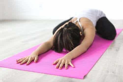 Yogaøvelser for skoliose