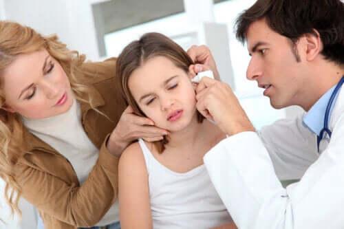 Hvordan fjerne ansamling av øreslim