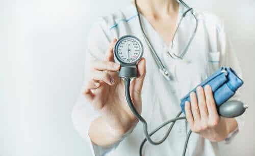 I hvilken alder bør vi begynne å kontrollere arteriell hypertensjon?