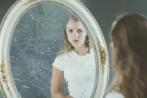 Negativt kroppsbilde og dets virkninger på selvfølelsen